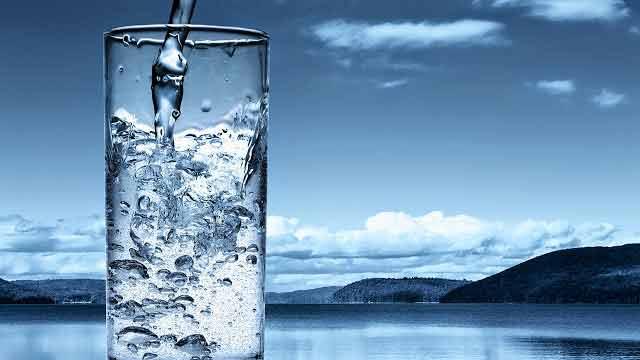 apa inainte de masa este un adevarat medicament