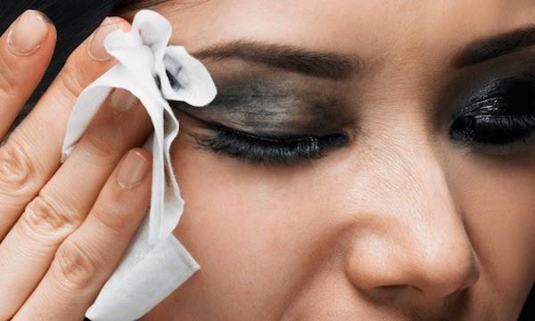 servetelele umede contin chimicale si irita pielea