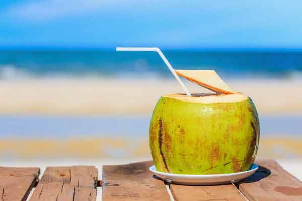 apa de cocos este foarte benefica pentru organism