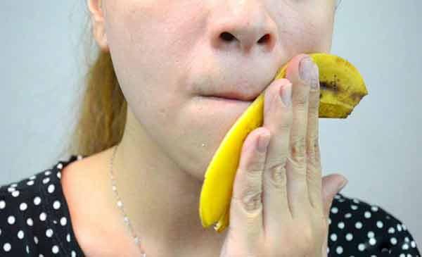 cojile de banane sunt foarte benefice pentru tenul cu afectiuni