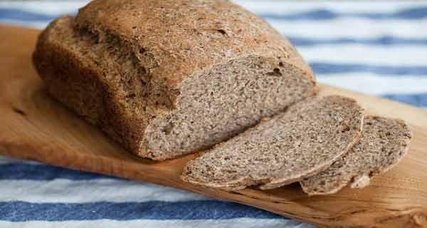 Pregătește-o acasă! Iată rețeta pentru cea mai sănătoasă pâine din lume, care te va ajuta să tratezi colesterolul și diabetul
