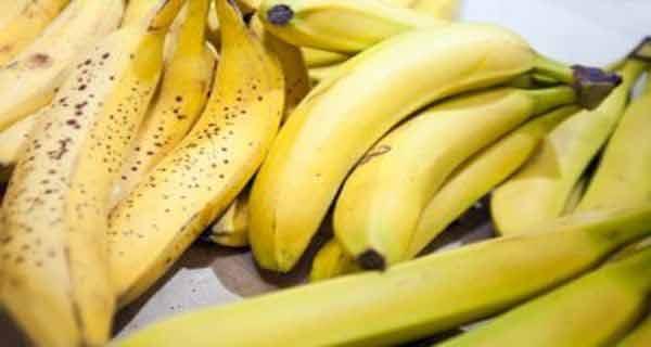 Bananele îmbunătățesc dispoziția și distrug celulele tumorale