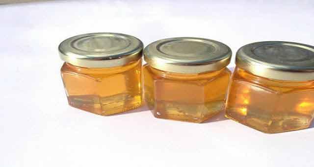mierea consumata inainte de culcare te ajuta sa dormi mai bine