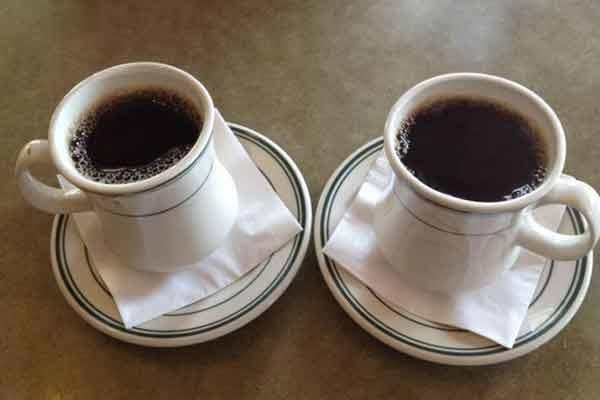 Beți două cești mari de cafea pe zi și nu veți mai avea probleme ...