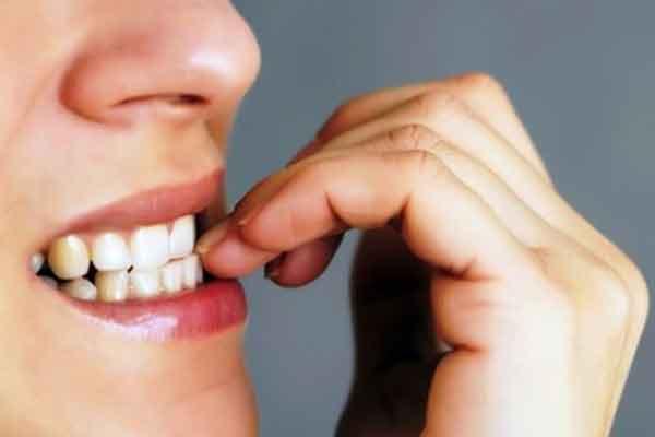 rosul unghiilor este un obicei al oamenilor perfectionisti