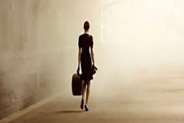 Femeia pleaca oricand