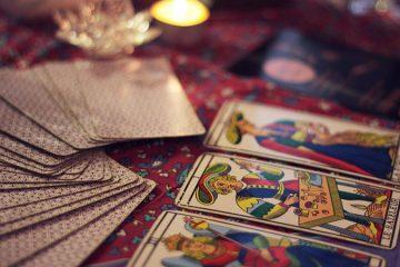 invata sa citesti cartile de tarot