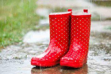 Accesorii ideale pentru copii când afară plouă