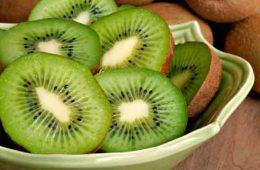 kiwi cu coajă